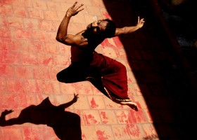 Progetto NAD (Nuovi Autori Danza): Body-Satva – Metamorfosi – Takis